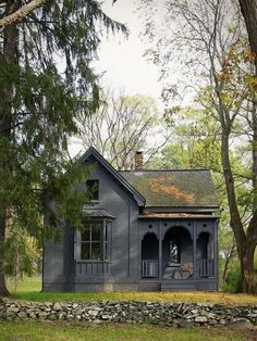 Small house tiny homes traditional house, black house și Cozy Cottage, Cottage Style, Cottage House, Witch Cottage, Victorian Cottage, Folk Victorian, Victorian Farmhouse, Cabins And Cottages, Small Cottages
