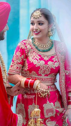 Indian Bride Poses, Indian Bridal Photos, Indian Wedding Photography Poses, Indian Bridal Makeup, Indian Bridal Outfits, Indian Bridal Fashion, Indian Fashion Dresses, Indian Photoshoot, Dehati Girl Photo