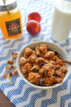 Homemade granola - Create your own breakfast favorite with your own ingredients! Gluten Free Oats, Breakfast Cereal, Mixed Nuts, Sliced Almonds, Shredded Coconut, Recipe Of The Day, Raisin, Granola, Homemade