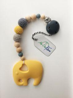 Mordant gris de l'éléphant jaune silicone de l'anneau de dentition chaîne avec des perles au crochet