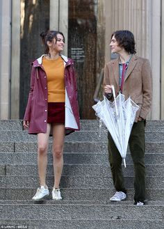 October Selena with Timothée Chalamet on set of Woody Allen's film in New York, NY [HQs] Selena Gomez Photos, Selena Gomez Style, Woody Allen, New York Movie, Movie Couples, Marie Gomez, Indie Movies, 90s Fashion, Yorkie