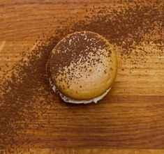 Macchiato Macarons How To Make Macarons 4 Ways Low Carb Desserts, Just Desserts, Low Carb Recipes, How To Make Macarons, Macaron Recipe, Xmas Cookies, Dessert Drinks, Foods With Gluten, Macaroons