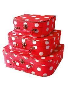 tätä laukkua myy etola lasten matkalaukkuna. mulle tää tulis kyllä itselle ja kaikki koot sopivia.
