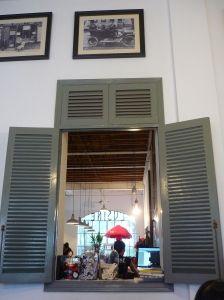 L'Usine, Saigon