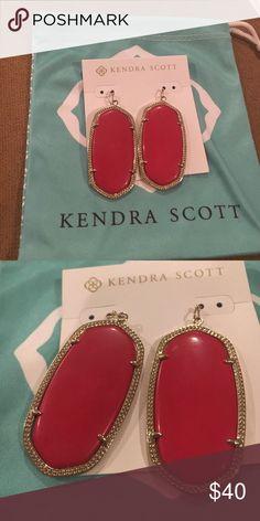 Kendra Scott Danielle Earrings Kendra Scott Danielle Earrings- Coral Red (very rare) //Set in Gold (GREAT CONDITION) Kendra Scott Jewelry Earrings