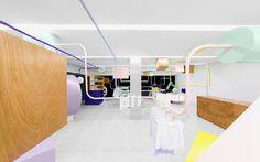 Dit zijn de mooiste winkelinterieurs van 2015 | Kindo kinderwinkel - Anagrama  | ELLE Decoration NL