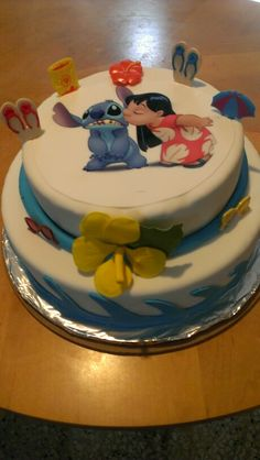 Lilo &  Stitch cake Lilo And Stitch Cake, Lilo Et Stitch, Birthday Party Desserts, Luau Birthday, Cake Cookies, Cupcake Cakes, Cake Designs For Kids, Fathers Day Cake, Cake Board