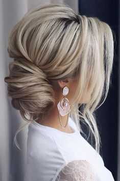 30 timeless bride hairstyles ❤️ If you are still looking for great hair - Frisuren - Best Hair Styles Great Hairstyles, Wedding Hairstyles For Long Hair, Wedding Hair And Makeup, Wedding Updo, Down Hairstyles, Hairstyle Ideas, Bridal Updo, Black Hairstyles, Hairstyles Haircuts