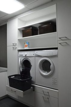 grando wasplaats - Google zoeken Laundry Closet, Laundry Area, Laundry Basket, Laundry Room Organization, Small Laundry Rooms, Laundry Room Storage, Storage Room, Laundry In Bathroom, Laundry Design