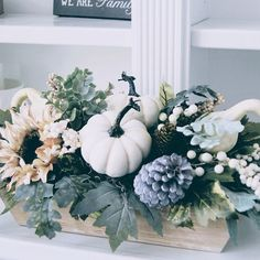 Dining Room Table Centerpieces, Summer Centerpieces, Small Centerpieces, Pumpkin Centerpieces, Table Decorations, Hydrangea Arrangements, Fall Arrangements, Green Hydrangea, Hydrangeas