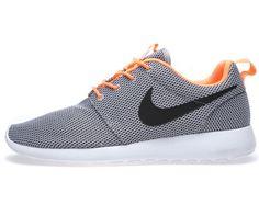 68a3d583e847 Nike Roshe Run 2014 Nike Shox