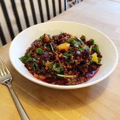 Rote Beete Linsen Salat – für eine große Portion ca. 250g Linsen (frisch oder aus der Dose), 2 Stück Beete, …