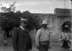 Durángo 1921 Francisco Villa y Elías Torres durante un descanso en la hacienda de Canutillo.