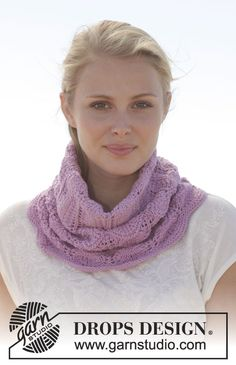 We are loving DROPS Cotton Merino! Keep yourself warm in this cozy neck warmer. Find the colors at www.nordicmart.com