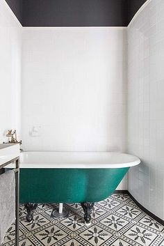 "They say simple is best and in the case of this   <a href=""http://objekt.fastighetsbyran.se/Objekt/?ObjektGID=OBJ6100_1330121931&p=P3qwrf"">1920s bathroom</a>   simple is perfection. Just look at that  gorgeous green tub and the black and white patterned tiles."