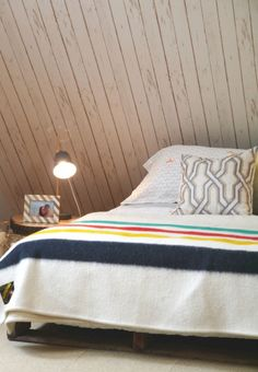 1000 id es sur le th me papier peint imitation bois sur for Fou plafond chambre a coucher