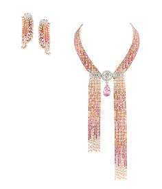 Pendants d'oreilles et collier Mosaïque Delilah de la collection l'Artisan du Rêve de Boucheron.