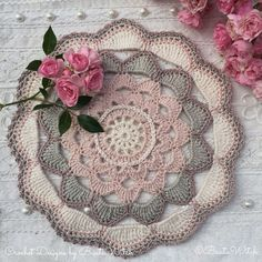 Crochet big Japanese flower mandala by BautaWitch. Free pattern (translation button available) at BautaWitch. Crochet Mandala Pattern, Crochet Chart, Crochet Squares, Thread Crochet, Crochet Stitches, Tapestry Crochet, Crochet Afghans, Crochet Blankets, Crochet Home