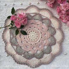 Crochet big Japanese flower mandala by BautaWitch. Free pattern (translation button available) at BautaWitch.se.