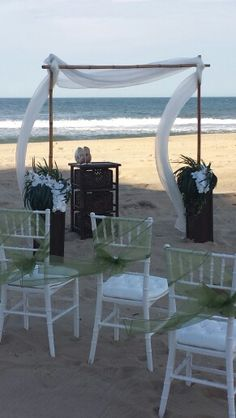 Barefoot Bride Ocean City Md beach weddings. Barefootbrideoc.com