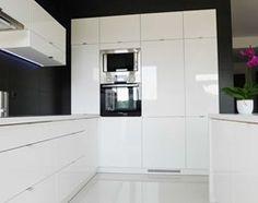 Kuchnia styl Minimalistyczny - zdjęcie od redcubedesign.pl Bathroom Medicine Cabinet, Sweet Home, Kitchen Cabinets, Floor Plans, Flooring, Black And White, Inspiration, Furniture, Design