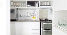 Cozinha preta e branca - INÁ Arquitetura