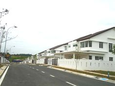 2 Sty Semi-D , Amberley, Emerald West, Rawang - ****Brand New 2 Sty Semi-D for Sale at Jalan KE 9/1B1X , Amberley, Emerald West, Rawang !! **** ****************BELOW MARKET PRICE !! ******************* -FREEHOLD -Land Area 40×80 -Build up 2251 sqft – Extra land – Peace Environment Kota Emerald is a joint venture project in between Guocoland (HongLeong – Guoco Group) and Hongbeeland (Anggun Kota Emerald Developer) – 2 min to AEON/JUSCO – 2 m