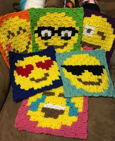 Emoji crochet blanket #kaytedids