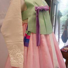 풍경한복의 신부한복입니다 곱게 입으시고 축복받는 하루되세요♡  #풍경한복 #신부한복 #웨딩한복
