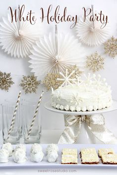 Check out this swoon-worthy White Christmas Party! Not only does it have helpful… - Noel - christmas Christmas Party Themes, Xmas Party, Holiday Parties, Holiday Fun, Birthday Parties, White Christmas Decorations, Holiday Ideas, Winter Christmas, All Things Christmas