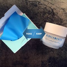Oil blotting sheets strip push grime into pores, causing acne. Learn how to manage oily skin Acne Causes, Pimples, Types Of Acne, New Skin, Combination Skin, Acne Scars, Acne Treatment, Spring Cleaning