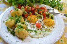 Aga w kuchni: Jajko sadzone z młodymi ziemniaczkami i sałatką
