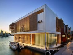 Dunn Floating House on Lake Union in Seattle by Vandeventer + Carlander Architects