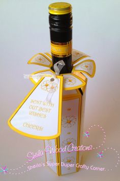"""Printable d.i.y. wine bottle gift bag/box with editable text on sides & label. """"Spring"""" collection"""