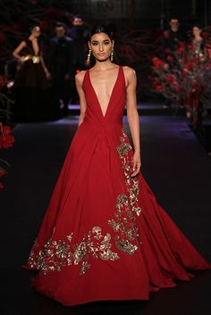 Indian fashion brands taking couture forward with Sabyasachi, Manish Malhotra, Tarun Tahiliani & more. In India couture is resonated with wedding couture. Mode Bollywood, Bollywood Fashion, Indian Dresses, Indian Outfits, Manish Malhotra Designs, Manish Malhotra Bridal, Sangeet Outfit, Vogue India, Indian Couture
