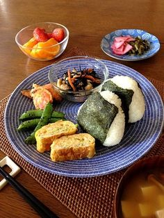Must-Try Japanese Dishes Japanese Dishes, Japanese Food, Healthy Cooking, Cooking Recipes, Eat This, Good Food, Yummy Food, Bento Recipes, Brunch