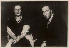 Anna Akhmatova (reconocida poetisa rusa,una de las figuras más representativas de la poesía acmeísta de la Edad de Plata de la literatura rusa) y Boris Pasternak (poeta y novelista ruso, Premio Nobel de Literatura en 1958.)