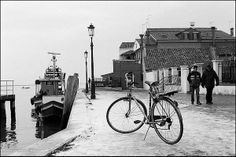 #pascalriben - Venice (Burano), Italy - BICYCLES IN MANY WAY bw photo gallery by Pascal RIBEN on www.pascalriben.com - #BwLovedByPascalRiben