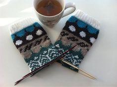 Riikka Was here: Muitaihania talvisukat Fingerless Gloves, Arm Warmers, Winter, Fingerless Mitts, Winter Time, Fingerless Mittens, Winter Fashion
