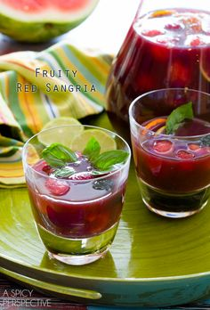 Fruity Red Sangria - A Spicy Perspective Best Sangria Recipe, Red Sangria Recipes, Red Wine Sangria, Cocktail Recipes, Drink Recipes, Cocktails, Party Drinks, Cocktail Drinks, Fun Drinks
