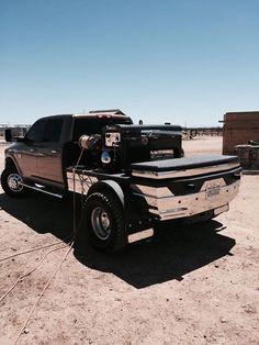 This is Victors truck. Welding Memes, Welding Trucks, Welding Rigs, Custom Truck Beds, Custom Trucks, Truck Flatbeds, Pickup Trucks, Flatbed Truck Beds, John Deere Tractors