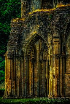 Image of the Day    Walking in History Glastonbury Cathedral Somerset  (via peerintothepast)