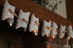 Karácsonyi égősor papírgurigákból