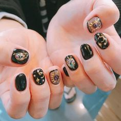 Galaxy Nails Try a manicure that's out of this world, with a galaxy inspired nail art. We've gathered some of our absolute favorite galaxy nail designs for you. Nail Art Designs, Creative Nail Designs, Creative Nails, Star Nail Art, Star Nails, Cute Nails, Pretty Nails, My Nails, Pretty Makeup