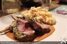 http://www.chefkoch.de/rezepte/148461065355320/Lammkarree-mit-Kraeuterkruste.html