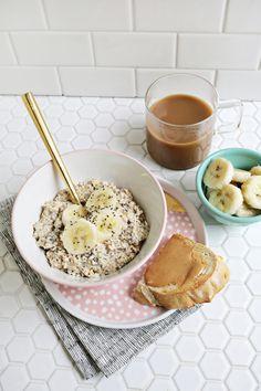 Elvis Overnight Oats (Peanut Butter + Banana!) Click through for recipe