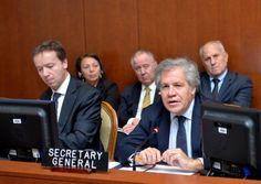 """<p>En un nuevo pronunciamiento sobre su iniciativa de aplicar la Carta Democrática Interamericana en Venezuela, el secretario general de la OEA reiteró que """"no podemos seguir mirando hacia otro lado. Los países miembros de la OEA deben reafirmar su compromiso con la democracia"""".</p>"""