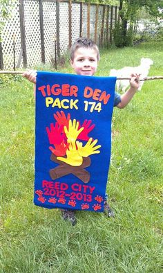 Cub scout Tiger den flag We SO need to do den flags!!!