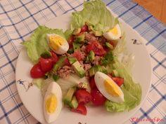 Snadný salát s nízkým obsahem sacharidů a bohatý na zdravé tuky. Cobb Salad, Food, Diet, Essen, Meals, Yemek, Eten