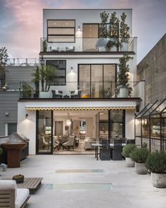 9 Luxury Melbourne Home Design Good House, Tiny House, Melbourne Hotel, Ultra Modern Homes, San Francisco Houses, Storey Homes, Prefab, Luxury Real Estate, Interiores Design